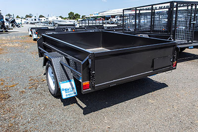 Heavy duty single axle trailer 21 inch high sides
