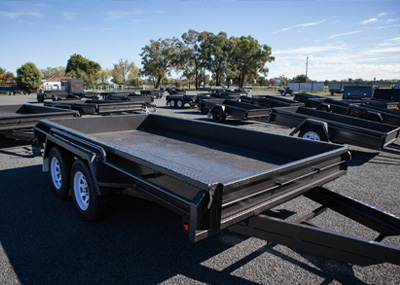 Heavy duty tandem axle trailer